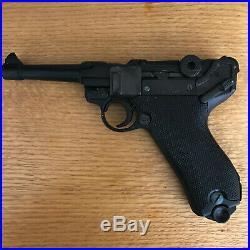 Older Denix 1226 replica WWII German Luger P08 Parabellum pistol, Non-Firing