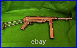 WW II German MP40 METAL copy/ FULL SIZE heavy REPLICA, BB gun toy mechanism