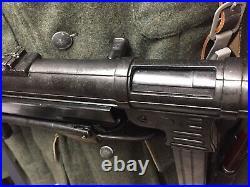 World War II German MP 40 LMG Non-Firing Replica